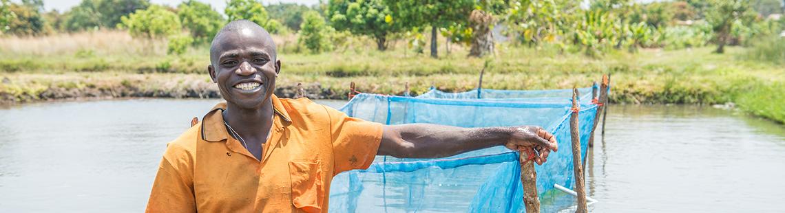 重新评估援助-政策-增长的关系:一种新方法